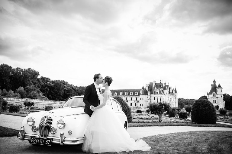 photo de couple dans un beau château