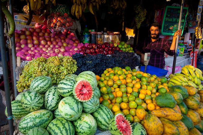 marchand indien de fruits à Allepey